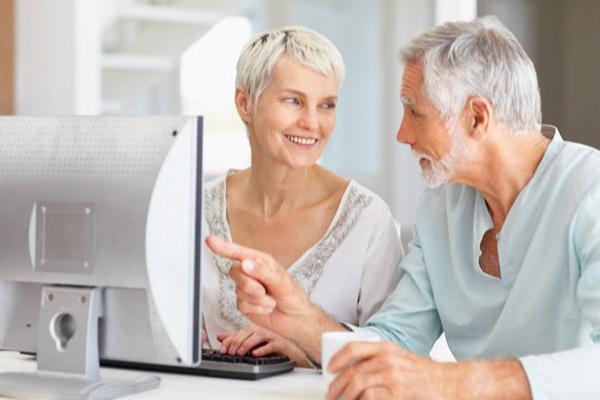 Pessoas Mais Velhas São Mais Prudentes na Internet! Veja Porque