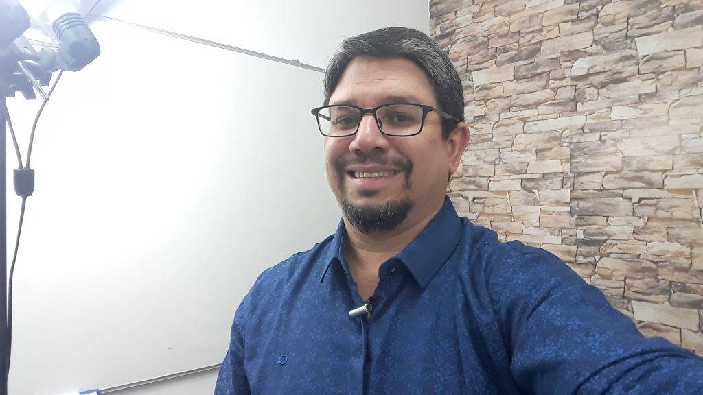 Lourival Melo, Professor do Curso de Informática Online